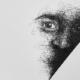 Ansicht einer Arbeit von Hirmaz Akman, die ein Gesicht aus Linien zeit.